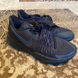 Nike Kyrie 3 Low Basketball Shoes